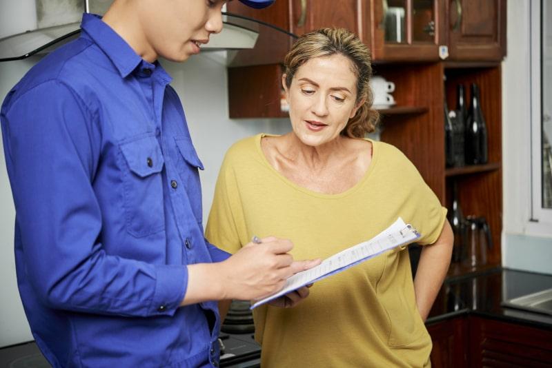 Choosing Between a Home Warranty or an HVAC Service Plan